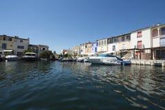 Κανάλια στο λιμένα Grimaud, Γαλλία Στοκ φωτογραφία με δικαίωμα ελεύθερης χρήσης