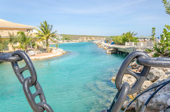 Κανάλι κοντά στην ακαδημία εισόδων και δελφινιών ενυδρείων θάλασσας του Κουρασάο Στοκ Φωτογραφίες