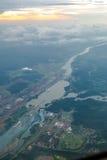 κανάλι που βγαίνει το σκάφος του Παναμά Στοκ Εικόνες