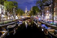 Κανάλι του Άμστερνταμ τη νύχτα Στοκ Εικόνα