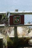 Κανένα σημάδι αλιείας σε μια λίμνη βουνών στην οικολογική επιφύλαξη Antisana, Ισημερινός Στοκ φωτογραφία με δικαίωμα ελεύθερης χρήσης