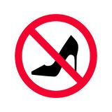 Κανένα υψηλό σημάδι απαγόρευσης τακουνιών κόκκινο Κανένα τακούνι που επιτρέπεται υψηλό το σημάδι διανυσματική απεικόνιση