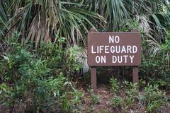 Κανένα Lifeguard στο σημάδι υπηρεσίας Στοκ Φωτογραφίες