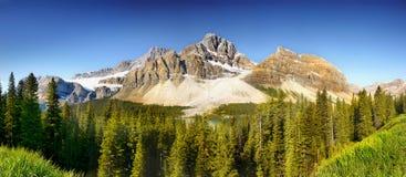 Καναδάς, εθνικό πάρκο Banff, πανόραμα βουνών Στοκ Φωτογραφία