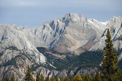 καναδικά βουνά υδρονέφω&sigma Στοκ φωτογραφία με δικαίωμα ελεύθερης χρήσης