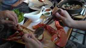 Καναδικό γεύμα θαλασσινών πολυτέλειας αστακών απόθεμα βίντεο
