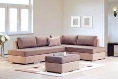 Καναπές γωνιών για το σπίτι Στοκ Φωτογραφία