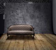 καναπές δωματίων μυστηρίο&up Στοκ φωτογραφία με δικαίωμα ελεύθερης χρήσης