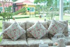 Καναπές λουλουδιών Στοκ Εικόνες