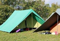 Καναδική οργάνωση σκηνών σε ένα στρατόπεδο ανιχνεύσεων αγοριών στοκ φωτογραφίες