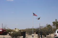 Καναδικό ελικόπτερο σινούκ που απογειώνεται από το μουσείο του George S Patton σε Καλιφόρνια Στοκ φωτογραφία με δικαίωμα ελεύθερης χρήσης