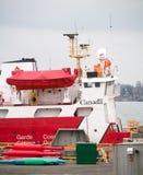 Καναδικό σκάφος ακτοφυλακής στην αποβάθρα. Στοκ Φωτογραφία