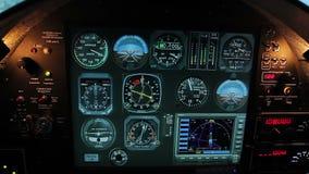 Κανονικοί δείκτες πτήσης στην επιτροπή πιλοτηρίων αεροσκαφών, εργαλεία συστημάτων ελέγχου αεροπλάνων απόθεμα βίντεο
