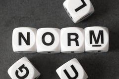 Κανόνας λέξης στους κύβους παιχνιδιών Στοκ εικόνα με δικαίωμα ελεύθερης χρήσης