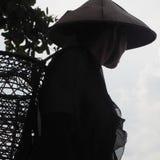 Καπέλο ηλικιωμένων γυναικών Siberut Ινδονησία Mentawai παραδοσιακό στοκ φωτογραφίες με δικαίωμα ελεύθερης χρήσης