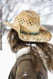 καπέλο κάουμποϋ που φορά τη γυναίκα Στοκ Εικόνα