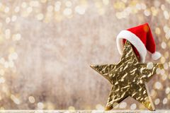 Καπέλο santa αστεριών Χριστουγέννων Πρότυπο Χριστουγέννων Υπόβαθρο Στοκ φωτογραφία με δικαίωμα ελεύθερης χρήσης