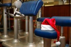 Καπέλο Santa στη σύγχρονη μηχανή ικανότητας Στοκ εικόνα με δικαίωμα ελεύθερης χρήσης