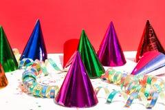 Καπέλα κόμματος, γενέθλια, καρναβάλι, κόμμα, άσπρο υπόβαθρο Στοκ εικόνες με δικαίωμα ελεύθερης χρήσης