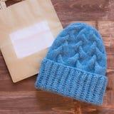 Καπέλο του μπλε παρθένου μαλλιού Στοκ Εικόνα