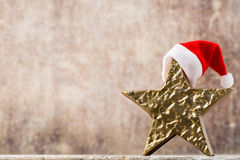 Καπέλο santa αστεριών Χριστουγέννων Πρότυπο Χριστουγέννων Υπόβαθρο Στοκ Φωτογραφίες