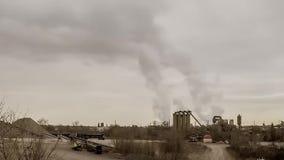 Καπνίζοντας εργοστάσιο απόθεμα βίντεο