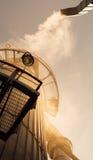 Καπνίζοντας καπνοδόχος του εργοστασίου Στοκ εικόνα με δικαίωμα ελεύθερης χρήσης