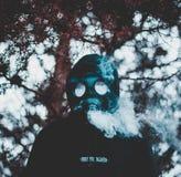 Καπνίζοντας μάσκα αερίου Στοκ Εικόνες