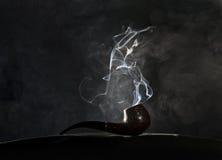 Καπνίζοντας σωλήνας στοκ εικόνα με δικαίωμα ελεύθερης χρήσης
