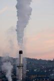 καπνοδόχος που θέτει αστική Στοκ Εικόνες