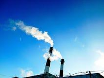 καπνοδόχοι βιομηχανικές Στοκ εικόνες με δικαίωμα ελεύθερης χρήσης
