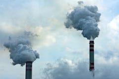 καπνοδόχοι που καπνίζου Στοκ εικόνες με δικαίωμα ελεύθερης χρήσης