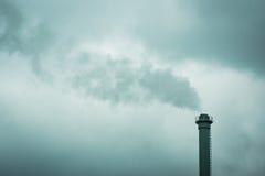 Καπνοδόχος από εγκαταστάσεις θερμότητας Στοκ φωτογραφίες με δικαίωμα ελεύθερης χρήσης