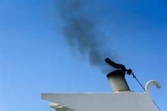 Καπνοδόχος στη βάρκα Στοκ Φωτογραφία