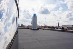Καπνοδόχος στη στέγη Στοκ εικόνα με δικαίωμα ελεύθερης χρήσης