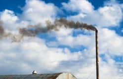 Καπνός από το εργοστάσιο. Στοκ φωτογραφία με δικαίωμα ελεύθερης χρήσης