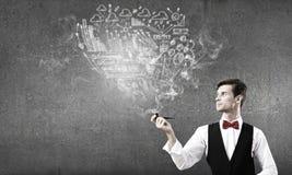 Καπνός επιχειρηματιών και σωλήνων Στοκ Εικόνες