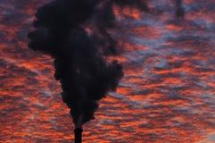καπνός εργοστασίων Στοκ εικόνα με δικαίωμα ελεύθερης χρήσης