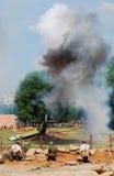 Καπνός και πυρκαγιά στον τομέα μάχης Στοκ Φωτογραφίες