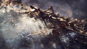 Καπνός και τέφρες της μακροχρόνιας έκθεσης φωτιών μακροεντολή κινηματογραφήσεων σε πρώτο πλάνο ευρέως στοκ εικόνες