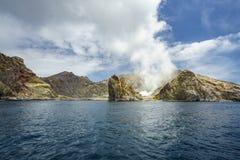 Καπνός πέρα από το ηφαίστειο στο άσπρο νησί, Νέα Ζηλανδία 12 Στοκ φωτογραφίες με δικαίωμα ελεύθερης χρήσης