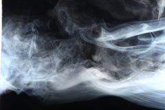 Καπνός στο φως Στοκ εικόνα με δικαίωμα ελεύθερης χρήσης