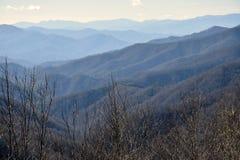 Καπνώές τοπίο βουνών στοκ φωτογραφία