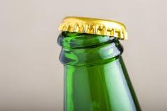 ΚΑΠ μπουκαλιών μπύρας ανο& Στοκ Εικόνες