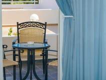 Καρέκλα γραφείων στο πεζούλι Στοκ φωτογραφίες με δικαίωμα ελεύθερης χρήσης