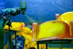 Καρέκλα εργοστασίων και φίμπεργκλας κωπηλασίας στοκ φωτογραφία με δικαίωμα ελεύθερης χρήσης
