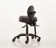 Καρέκλα δερματοστιξιών Στοκ φωτογραφία με δικαίωμα ελεύθερης χρήσης
