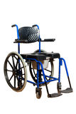 Καρέκλα κομό για παλαιότερο Αναπηρική καρέκλα με το καλάθι τουαλετών για για το με ειδικές ανάγκες άτομο Στοκ φωτογραφία με δικαίωμα ελεύθερης χρήσης