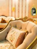 Καρέκλα πολυτέλειας στο εσωτερικό μόδας στοκ φωτογραφία με δικαίωμα ελεύθερης χρήσης