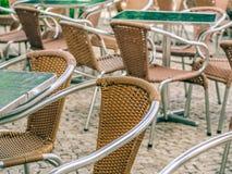 Καρέκλες εστιατορίων Στοκ εικόνες με δικαίωμα ελεύθερης χρήσης